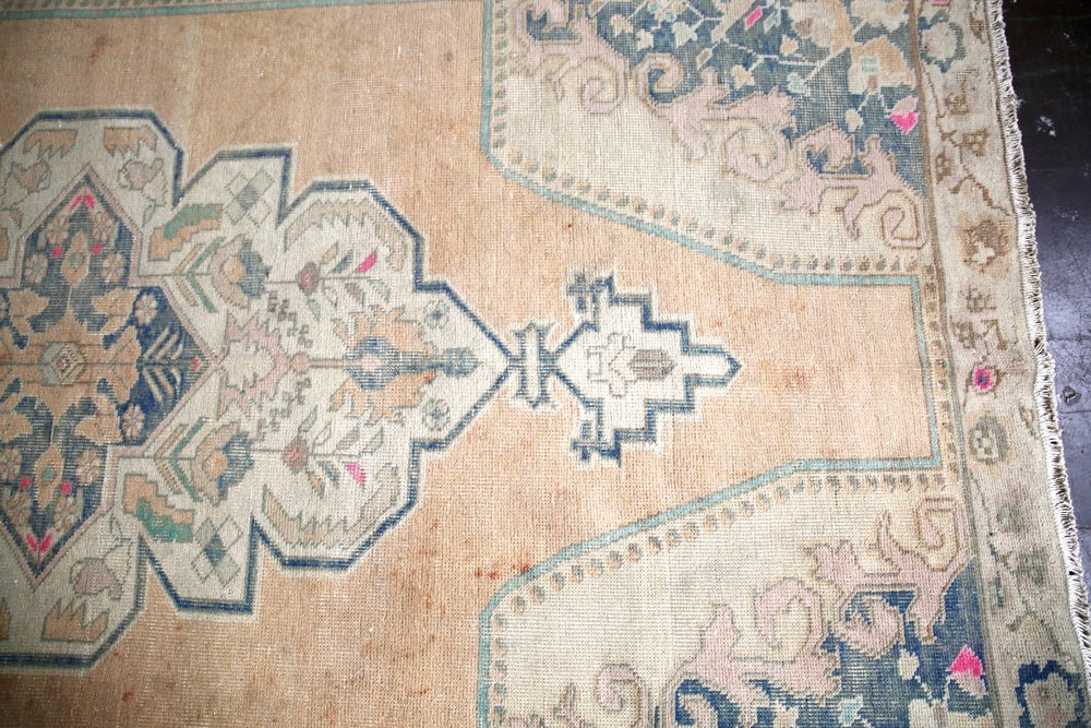 Vintage Turkish Faded Anatolian Rug 4.10ftx7.9ft