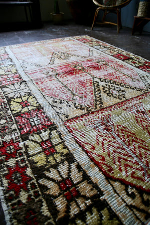 Vintage Faded Turkish Anatolian Rug 5ftx7.1ft