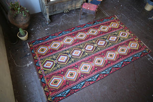 Old Ushak Esme Kilim 6ftx10.7ft