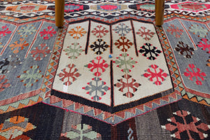 "Old Turkish Sivas Kilim Rug 5'9""x10'3"""