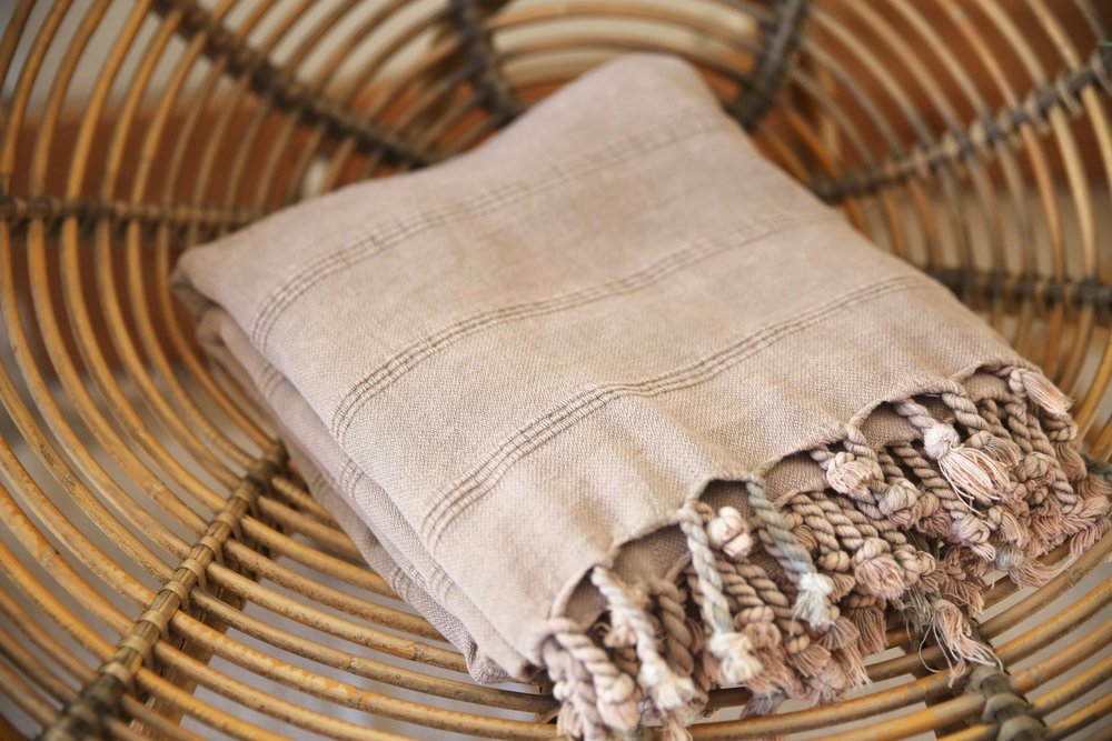 Rustic Large Pestemal Throw in Dusty Rose