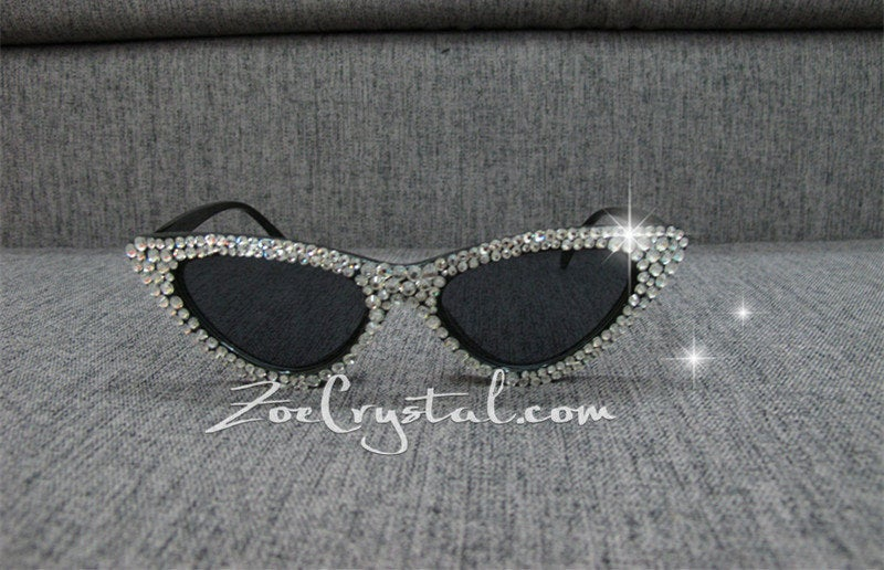 HOLLYWOOD Fashionable Cat Eye Sunglasses / Shades / Sunnies w Clear White Bling Sparkly  Rhinestones Festival Rockabilly Retro Pin Up