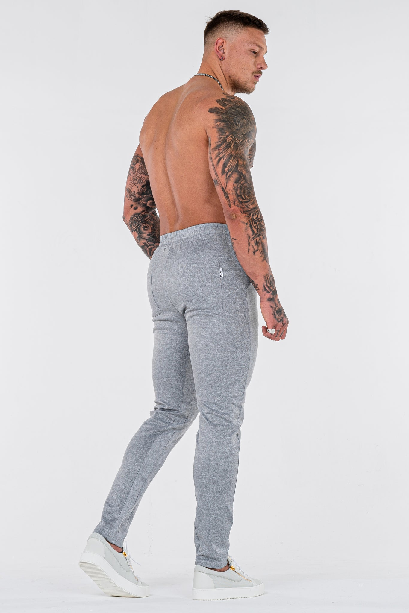 THE FROZEN TRACK PANTS - GREY