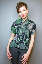 """Lucy"" Top - Green / White Botanical"