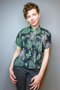 Mandarin Collar Crop Top - Green / White Botanical