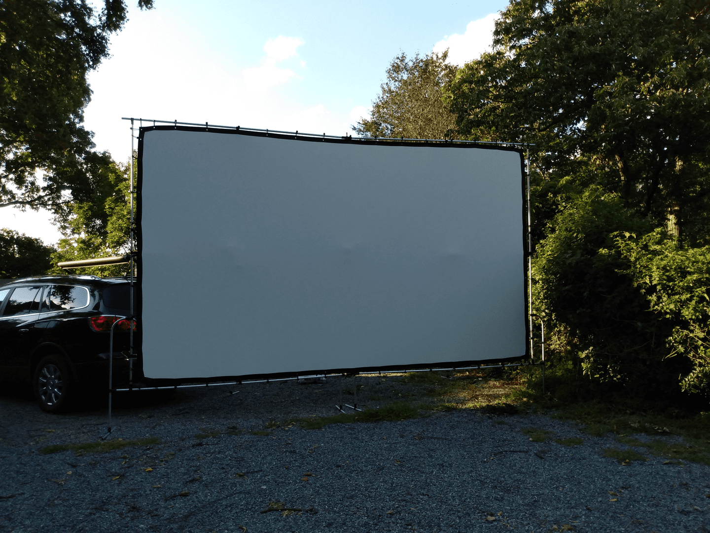 Adjustable Projector Screen Frame