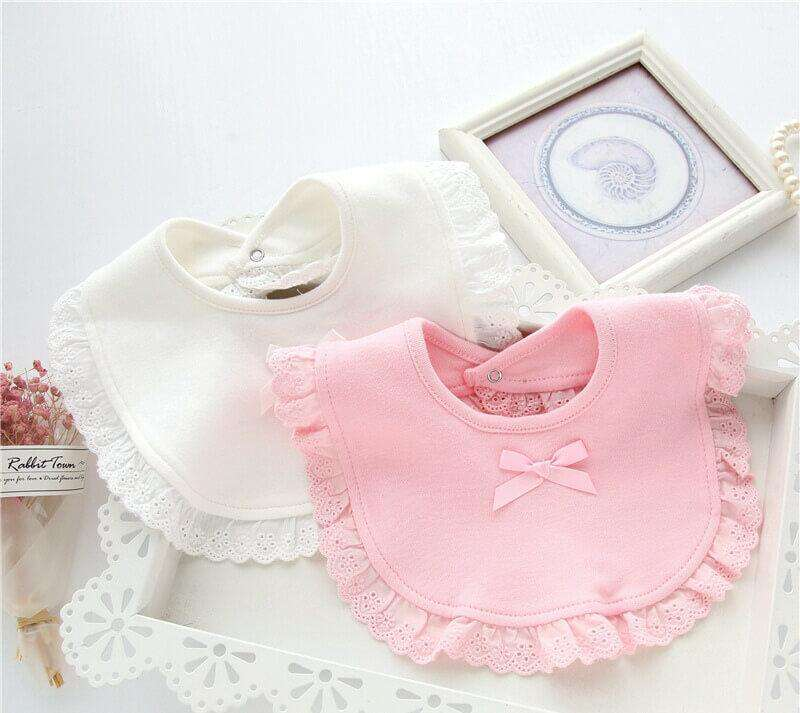 Dainty Bear Style Frilly Bib Set in White and Pink
