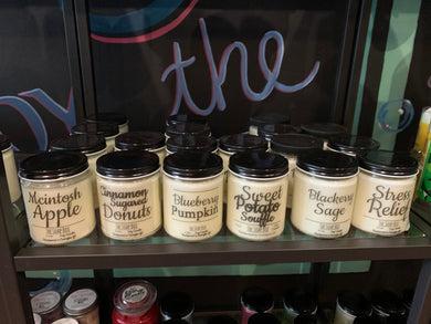 8 oz candles with lid - choose your scent - new