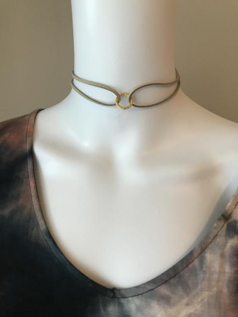 Old School Choker-Tan