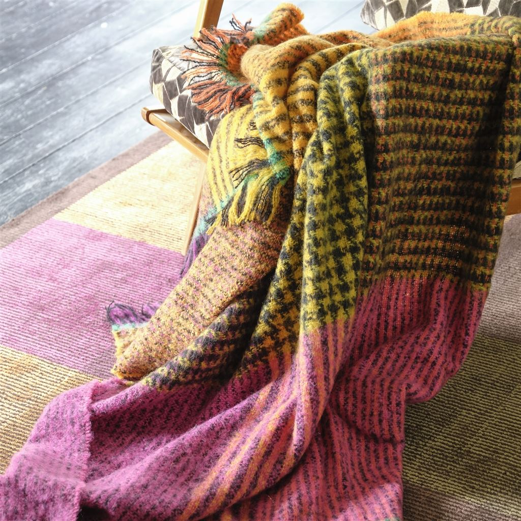 Katan Fuchsia Throw