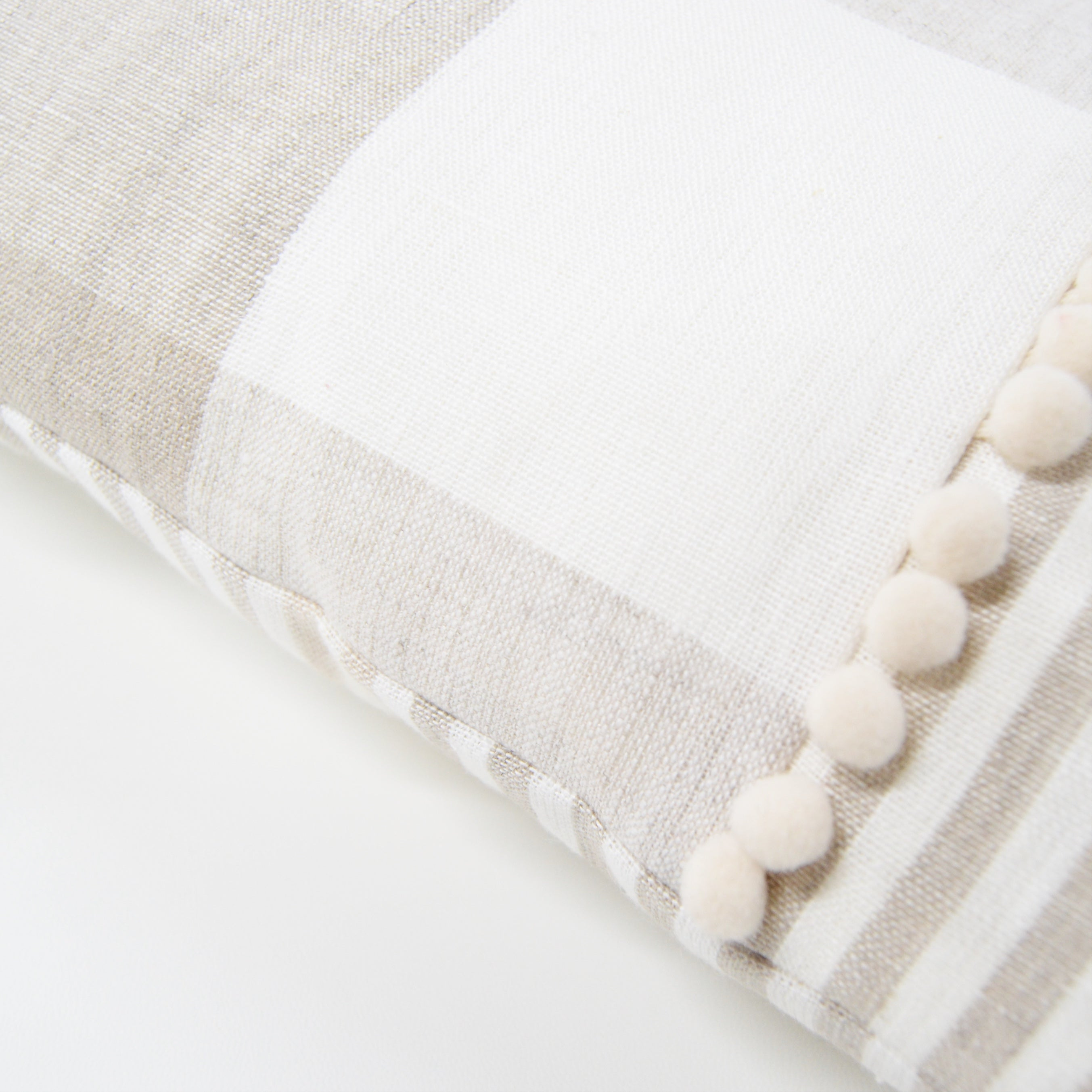 Crema Cozy Cushion