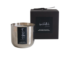 SCENTED CANDLE . COCONUT . SILVER