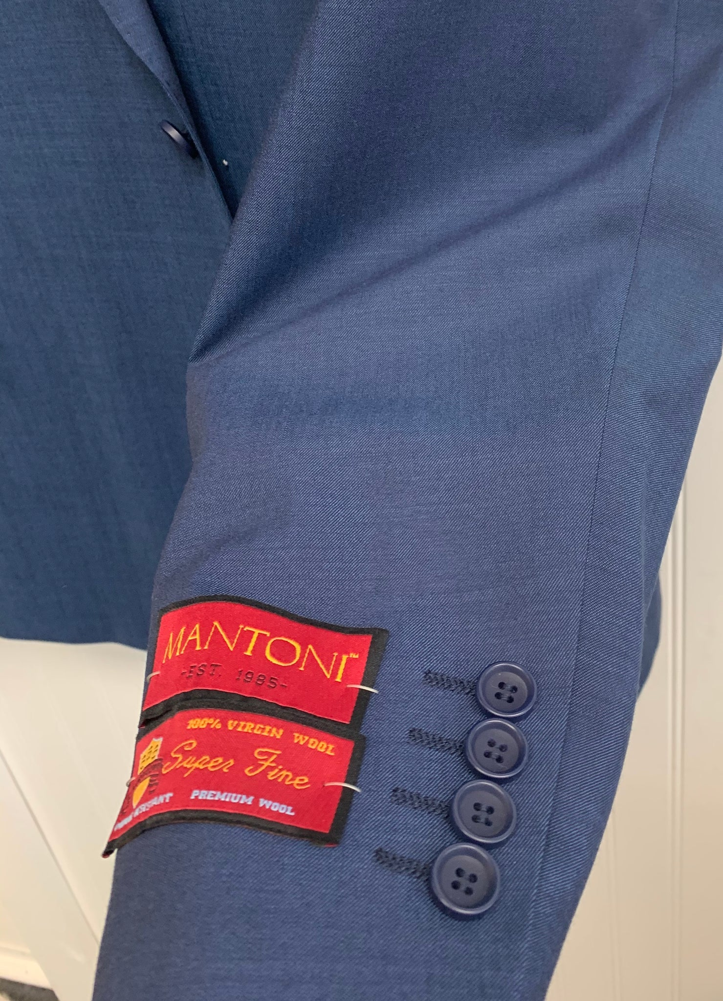 Mantoni Super 140 Wool Suit- 78200-5 (Blue Sharkskin)