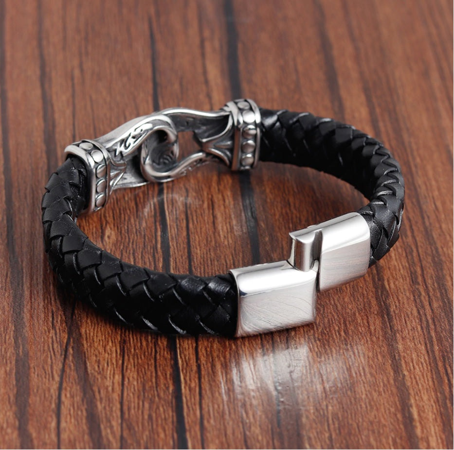 Mjolnir Style Leather Bracelet