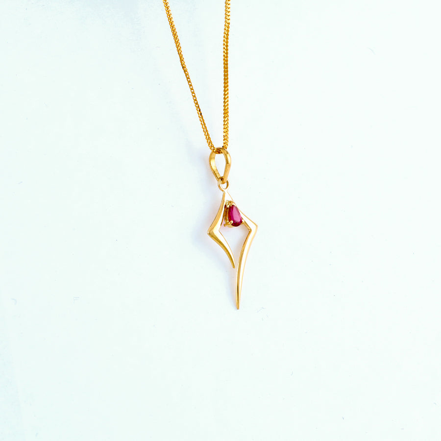 22KT YELLOW GOLD STONE STUDDED PENDANT (PE0001732)