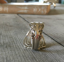 Spoon Ring Crest Size 11 3913 Vertical View