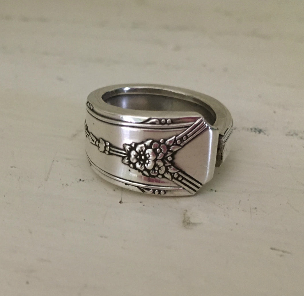 Milady Spoon Ring Size 9