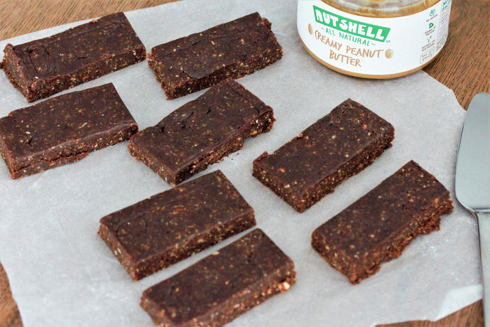 Tasty No-Bake Date Bar Recipe with Peanut Butter & Cocoa Powder