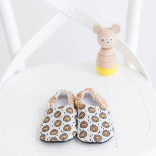 Lion Organic Baby Shoes Moccs by Weepereas