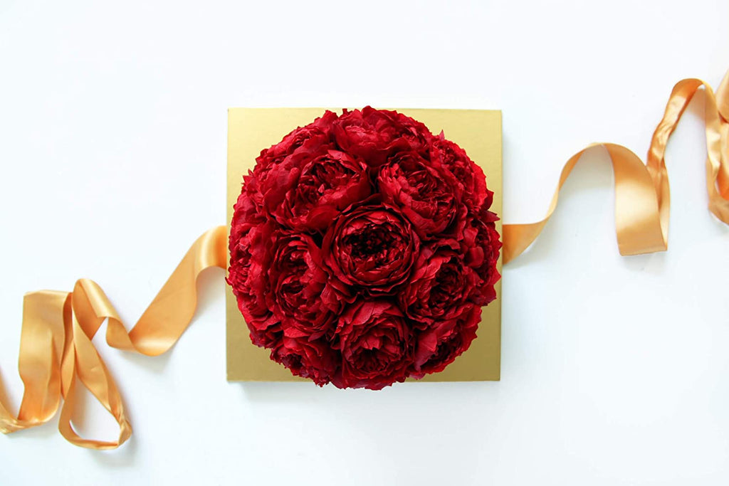 preserved red roses in gift box