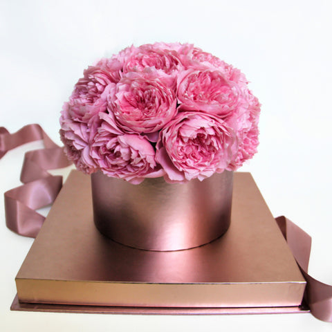 Image of pink preserved rose box roses in a box