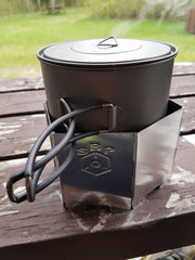 Toaks pot with windscreen pot rest combo