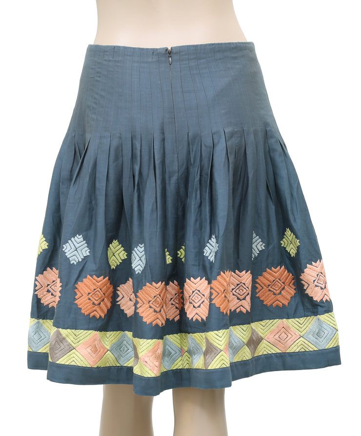 White Chocolate Embroidered Pleated Flared Cotton Gray Skirt Medium M