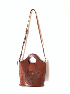 Chiapas leather bucket bag