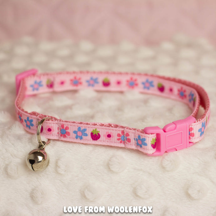 Strawberry Kitten Collar - 10 to 16 inches