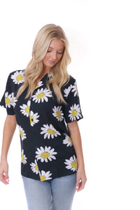 Daisies Vacation Shirt (Curve Available)
