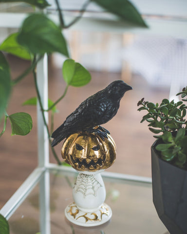 Crow decoration piece