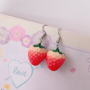 Kawaii Realistic Strawberry Drop Earrings - peachiieshop