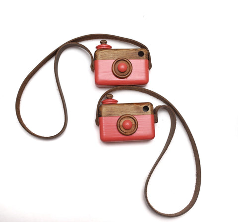Coral Classic Cam with Weathered Brown Leather Strap