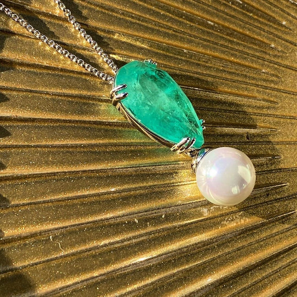 Drop Shape Necklace Colombian Emerald and Sea Shell Pearl