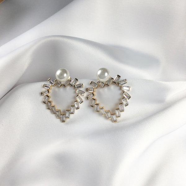 Delicate Heart Earrings 18K gold plated one pearl detail baguettes