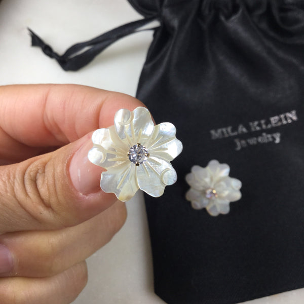 White Flower earring and Crystal Stone