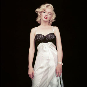 The Essential Marilyn Monroe: The Negligee Print