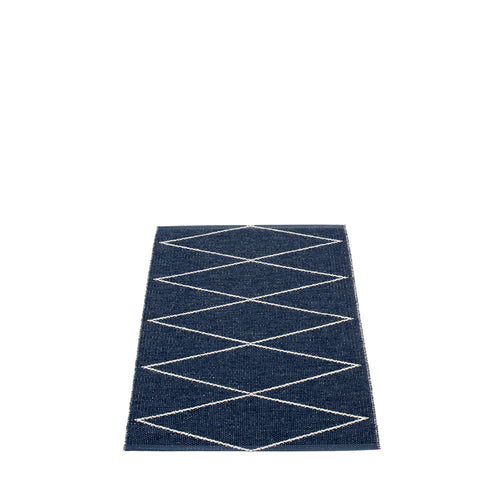 Navy Beach Plastic Floor Mats Navy/Vanilla (Multiple Sizes)