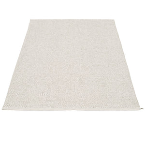 East Hampton Plastic Floor Mats Light Stone/Metallic (Multiple Sizes)