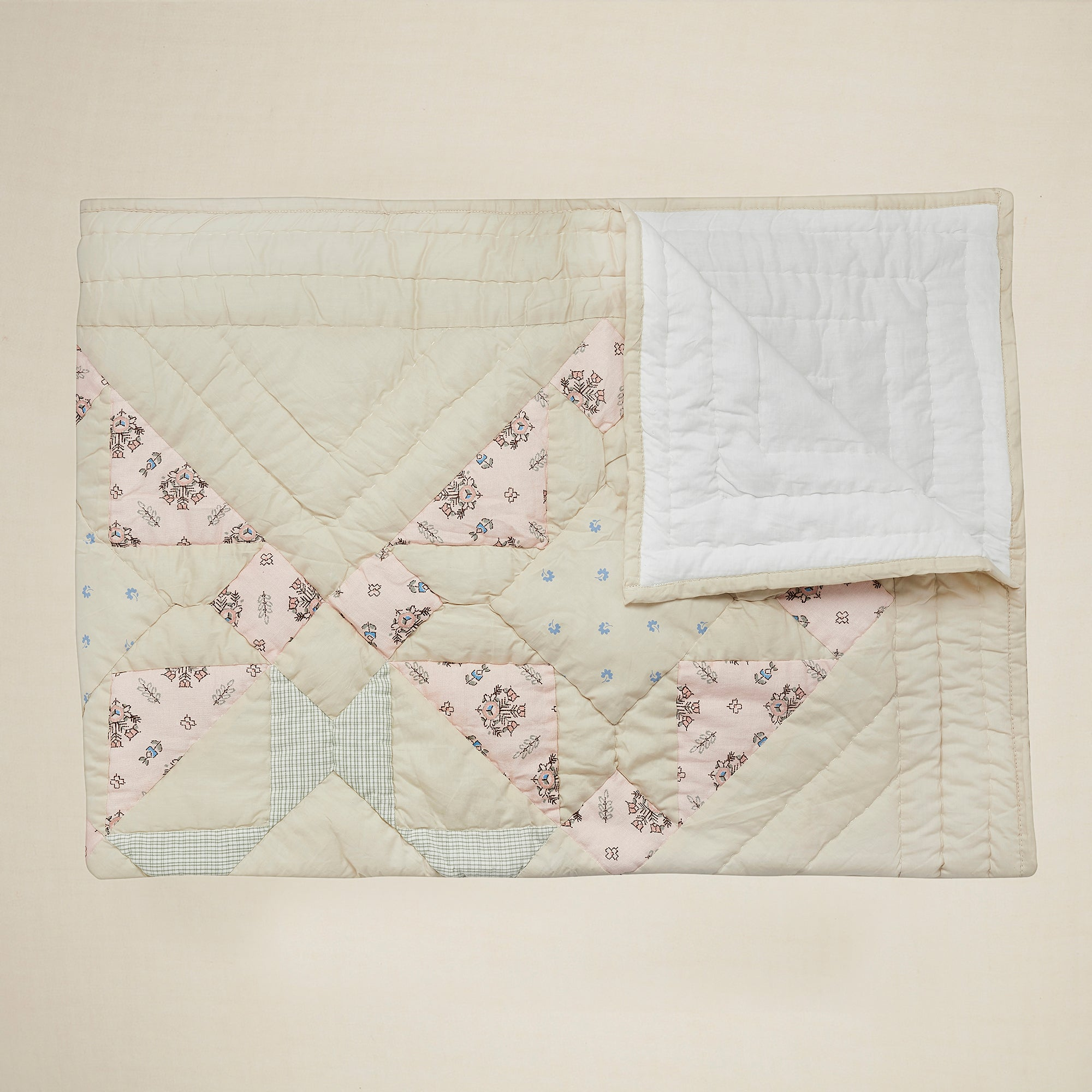 Apolina x Projekti Tyyny 'Saana Summit' Quilt (Medium)