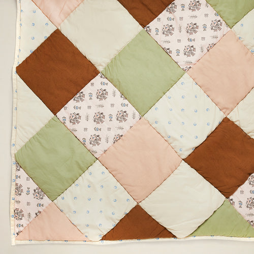 Apolina x Projekti Tyyny 'Roseberry' Quilt (Medium)