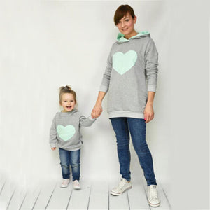 loomrack Mother/Daughter Matching Heart Hoodies Matching Family Outfits