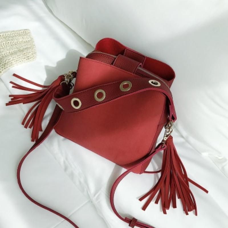 loomrack Vintage Tassel Adorned Bucket Crossbody Messenger Bag Shoulder Bags Red
