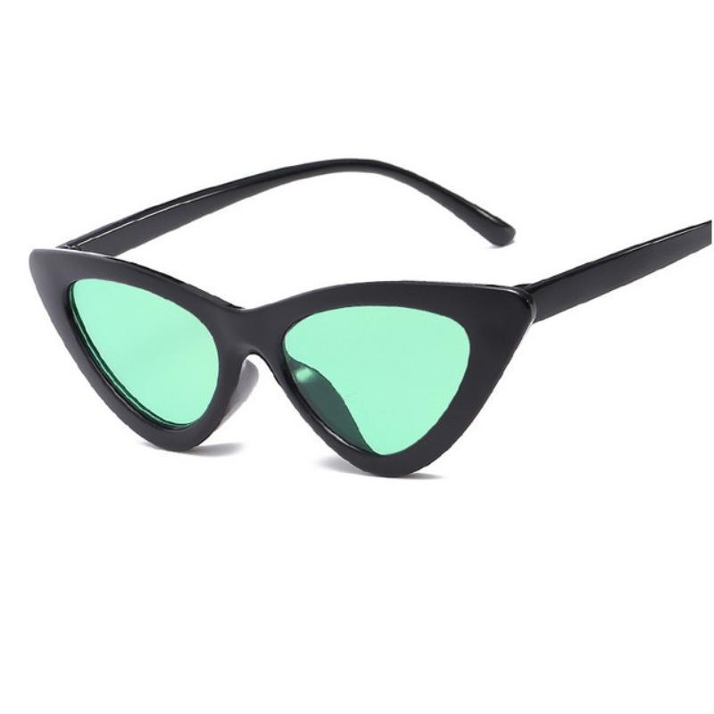 Retro Cat Eye Pointy Sunglasses Sunglasses Loom Rack Black Frame/Green Lens