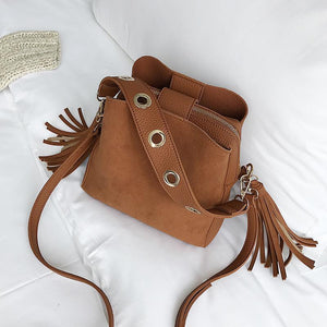 Vintage Tassel Adorned Bucket Crossbody Messenger Bag Shoulder Bags Loom Rack Brown