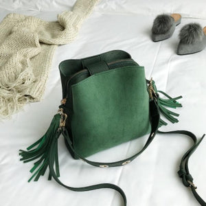 Vintage Tassel Adorned Bucket Crossbody Messenger Bag Shoulder Bags Loom Rack Green