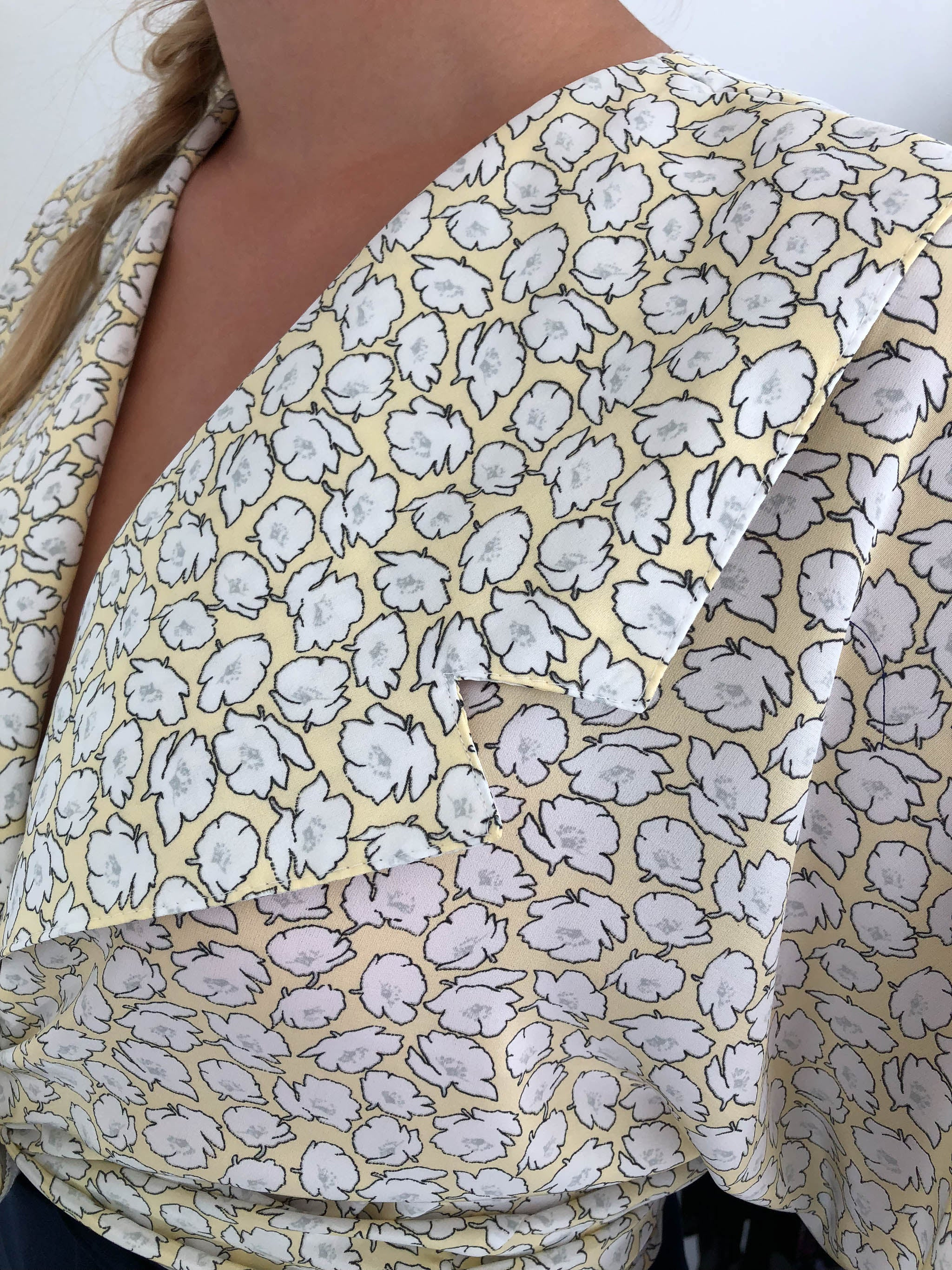 Adienne flower vintage shirt, medium | Finnish Design | Hyvä Helsinki