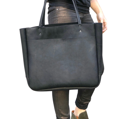 Large leather tote bag with front pocket