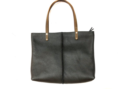 Classic tote with middle stitching in black