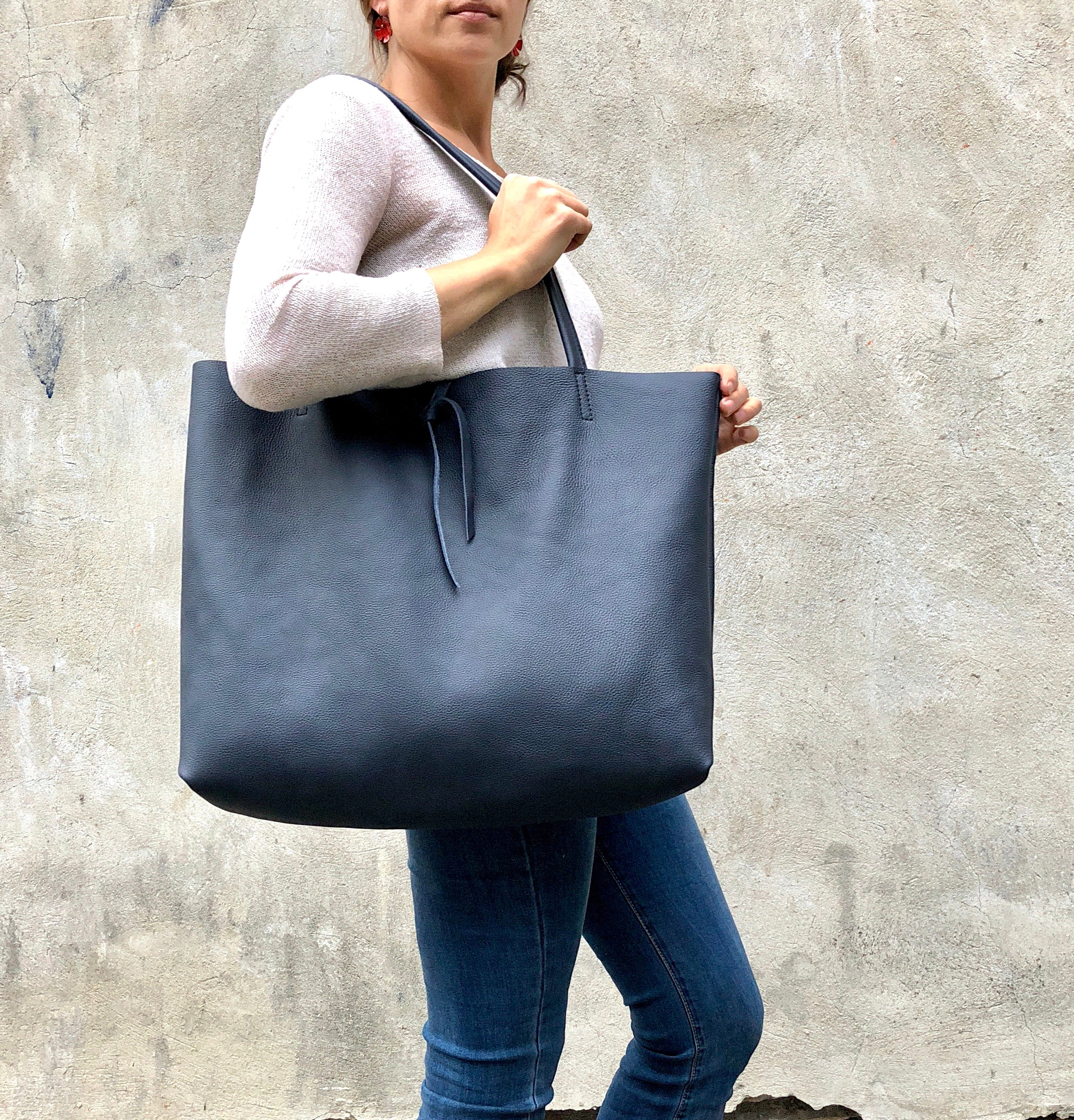 Navy blue classic tote / Extra large shopper bag / Leather bag